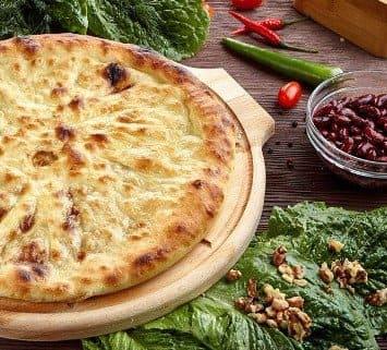 Осетинские пироги c фасолью и луком