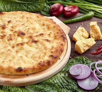 Осетинские пироги c репчатым луком и сыром