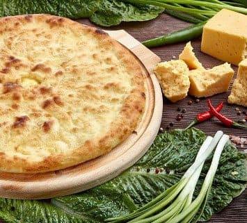 Осетинские пироги c зеленым луком и сыром